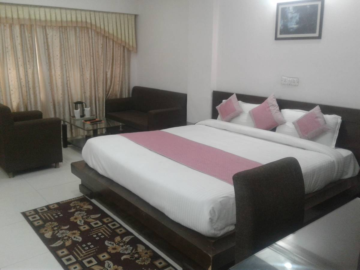 Hotel Mayfair Inn, Kanpur, India, explore everything from luxury hotels to sprawling inns in Kanpur