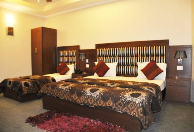 Hotel Metro Tower, New Delhi, India, Instant World Booking receives top ratings from customers and hotels as a trustworthy and reliable travel booking site in New Delhi