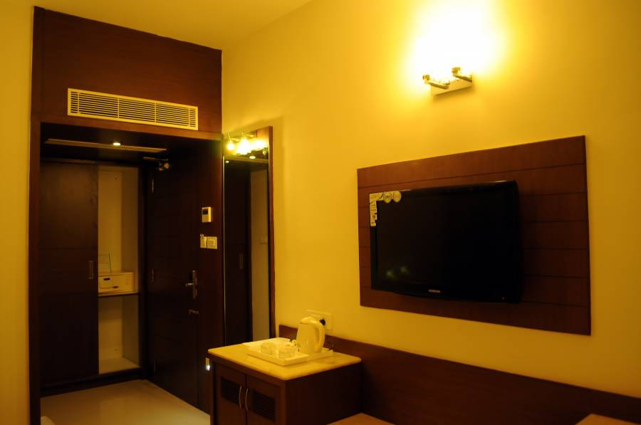 Hotel Prince Gardens, Coimbatore, India, where to stay and live in a city in Coimbatore