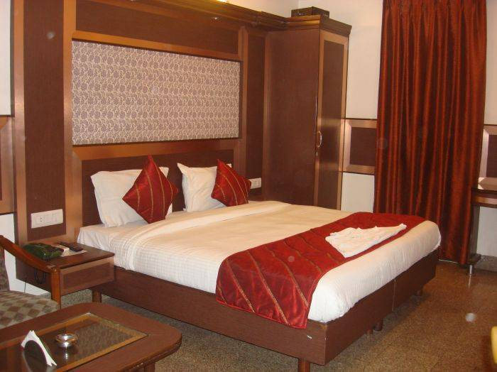 Hotel Rama Deluxe, New Delhi, India, instant online booking in New Delhi