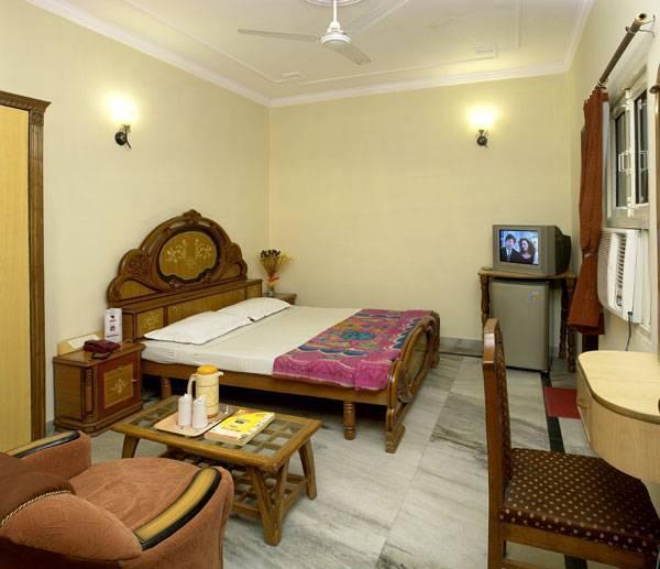 Hotel Royal Holidays, New Delhi, India, Un nuevo concepto de hospitalidad en New Delhi