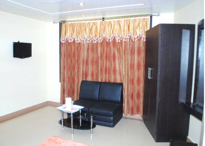Hotel Tara Grand Agra, Agra, India, backpackers gear and staying in hostels or budget hotels in Agra