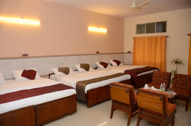 Kaveri Hotel Bed and Breakfast, Mysore, India, India hotels and hostels