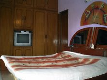 Lisa's Homestay India, New Delhi, India, backpackers hostels hiking and camping in New Delhi