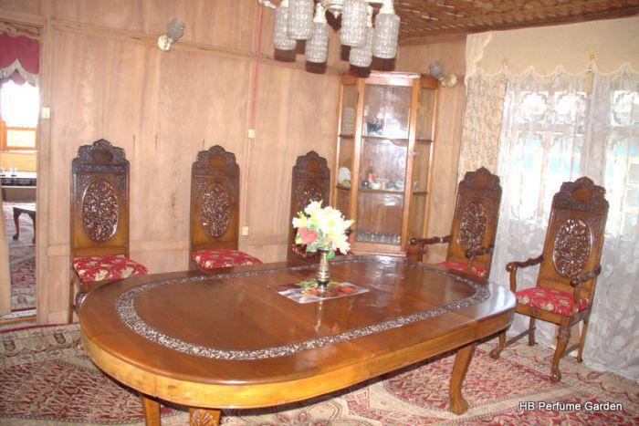 New Perfume Garden, Srinagar, India, Seznam najboljših mednarodnih hotelih in hostlih v Srinagar