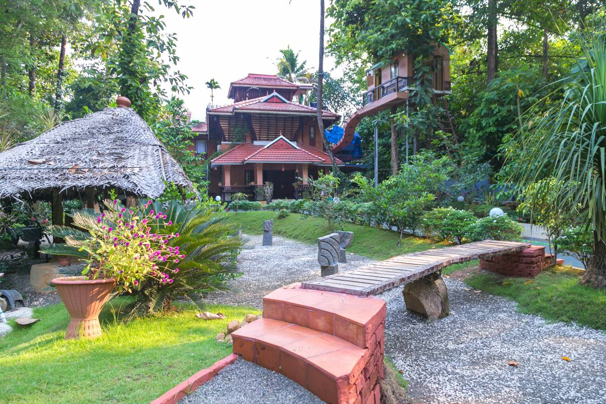 Reminiscence Ayurveda Yoga Retreat, Cochin, India, India hotels and hostels