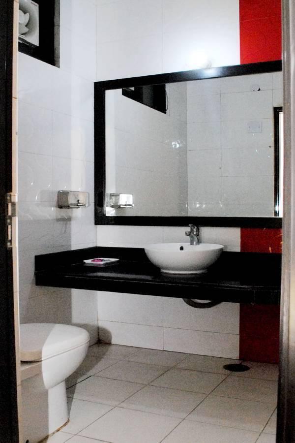 Universe Inn, New Delhi, India, discount hotels in New Delhi