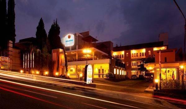 Asia Hotel - Tìm phòng miễn phí và mức giá thấp đảm bảo Karanganyar, khách sạn giá rẻ 5 ảnh