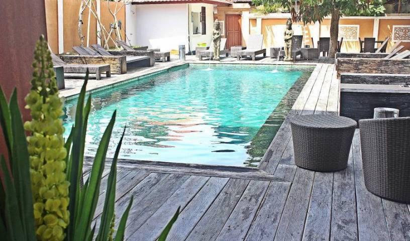 Mirah Hostel - Tìm phòng miễn phí và mức giá thấp đảm bảo Kuta, Những chuyến đi tốt nhất và những kỳ nghỉ du lịch 5 ảnh
