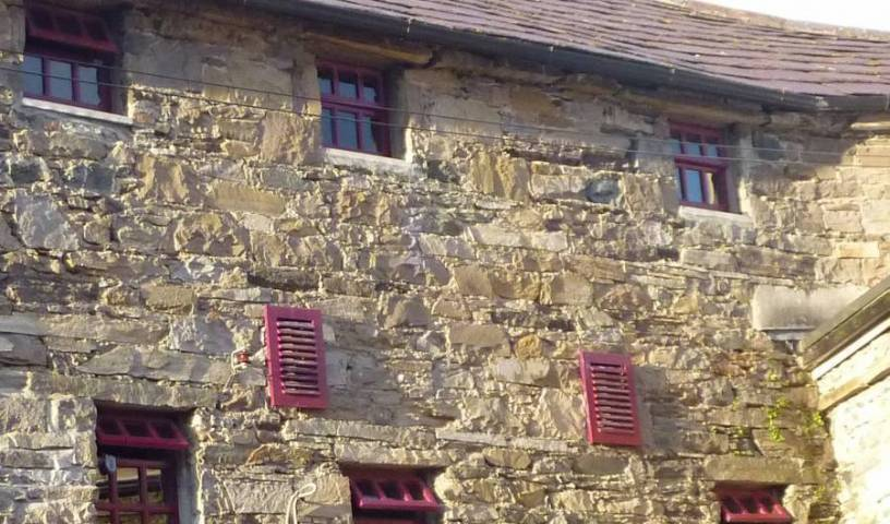 The Old Mill Holiday Hostel - Search for free rooms and guaranteed low rates in Cathair na Mart, top quality hotels 37 photos