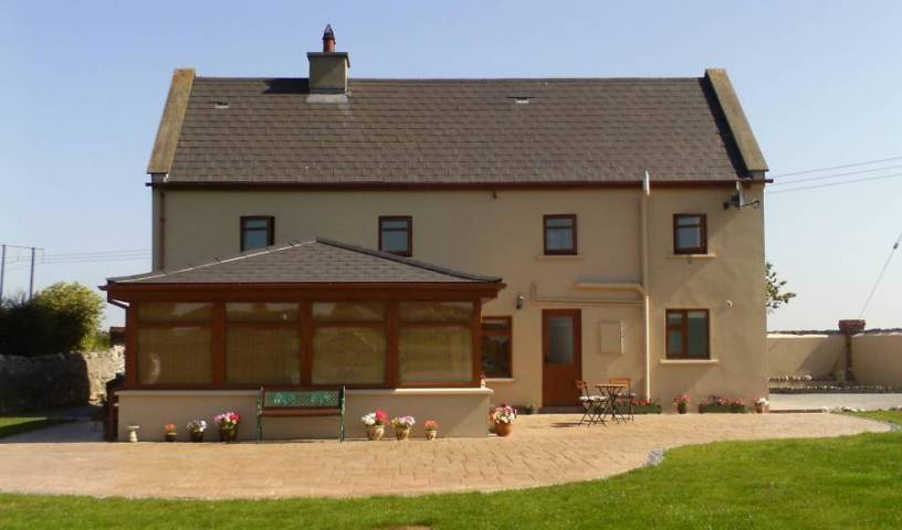 Three Gables Bed and Breakfast Ireland - Search for free rooms and guaranteed low rates in Eas Geitine, fast hotel bookings 18 photos