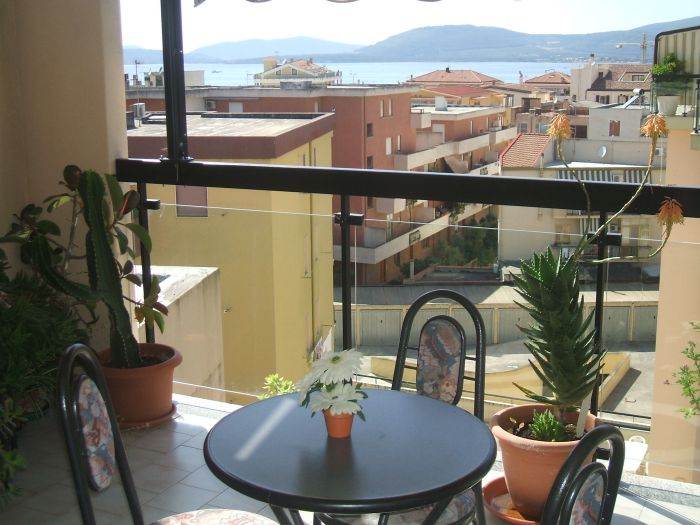 Alejandra Bed and Breakfast, Alghero, Italy, backpacking and cheap lodging in Alghero