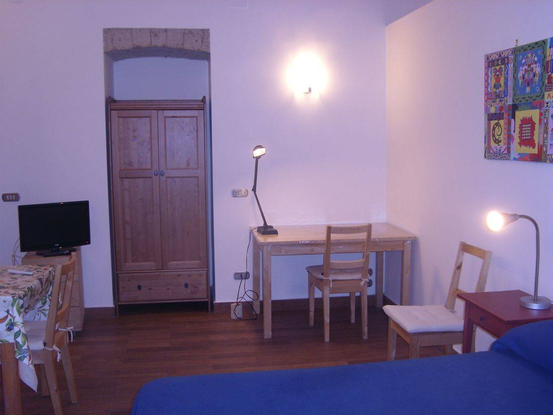 Amedeo, Napoli, Italy, hostels for ski trips or beach vacations in Napoli