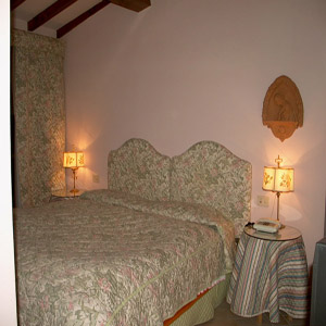 Azalee Villa, Florence, Italy, affordable motels, motor inns, guesthouses, and lodging in Florence