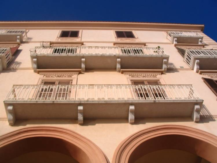 B and B Belveliero, Trapani, Italy, backpackers gear and staying in hostels or budget hotels in Trapani