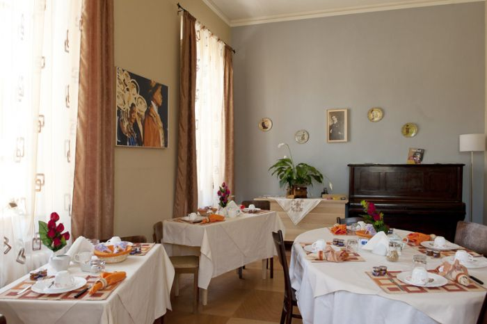 B and B Principe Calaf, piazzano lucca, Italy, online booking for hostels and budget hotels in piazzano lucca