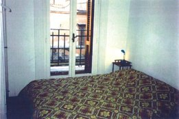 Bar Dell'artista Accomodation, Rome, Italy, family history trips and theme travel in Rome