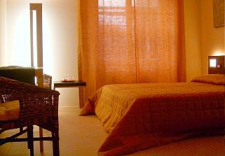 BB Four Rooms, Florence, Italy, low cost vacations in Florence