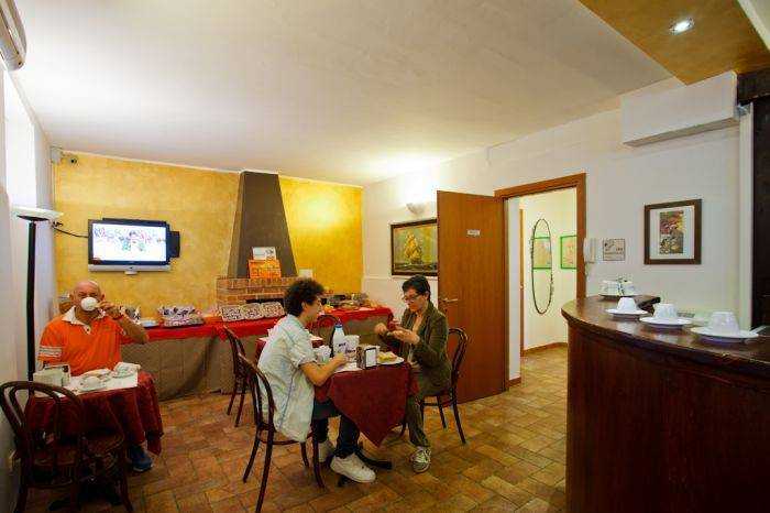 Bed and Bed Milano, Milan, Italy, hotels near historic landmarks and monuments in Milan