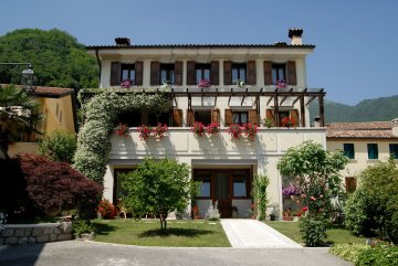 Bed and Breakfast Ernestina, Miane, Italy, Italy hotels and hostels