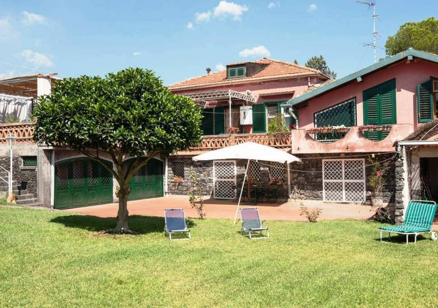 Bed And Breakfast  La Casa Del Ficus, Acireale, Italy, Italy hotels and hostels