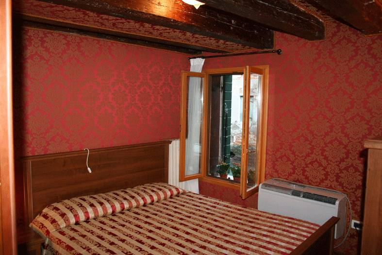 Ca' Albachiara Apartment, Venice, Italy, unforgettable trips start with HostelTraveler.com in Venice