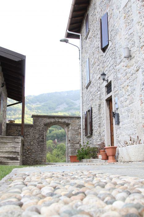 Ca' Baetti BB L'antica Corte, Roncola, Italy, Italy hotels and hostels