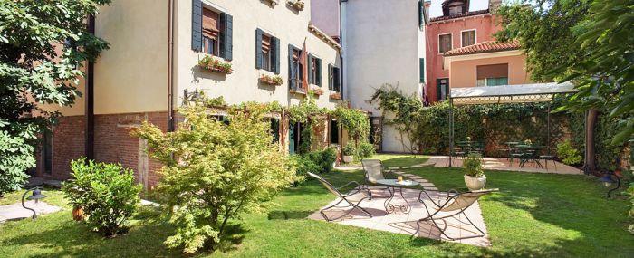 Casa Rezzonico, Venice, Italy, Italy hotels and hostels