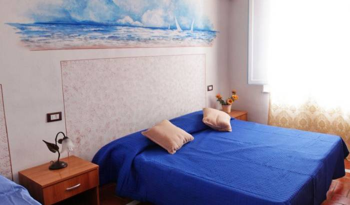 Affittacamere Leopolda - Search available rooms and beds for hostel and hotel reservations in Pisa 13 photos