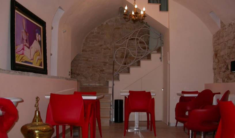 Bed and Breakfast Palazzo Ducale - Search for free rooms and guaranteed low rates in Andria 9 photos