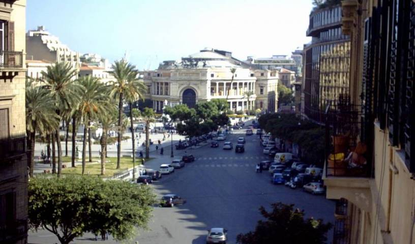 Center City - Search for free rooms and guaranteed low rates in Palermo, easy hotel bookings 15 photos