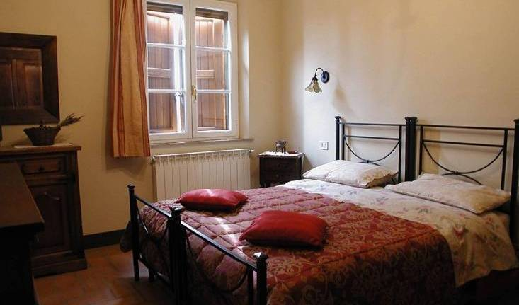 Emma B and B - Search available rooms for hotel and hostel reservations in Lucca 5 photos