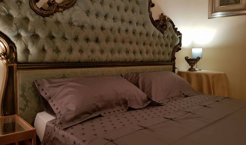 Gran Suite Piazza Maggiore - Search available rooms for hotel and hostel reservations in Bologna 6 photos