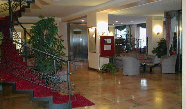 Hotel  Plaza - Get low hotel rates and check availability in Torino 2 photos