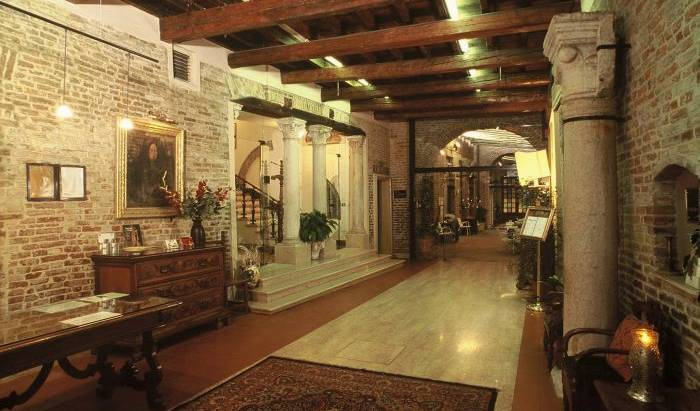 Hotel Ripagrande - Search available rooms for hotel and hostel reservations in Ferrara 14 photos