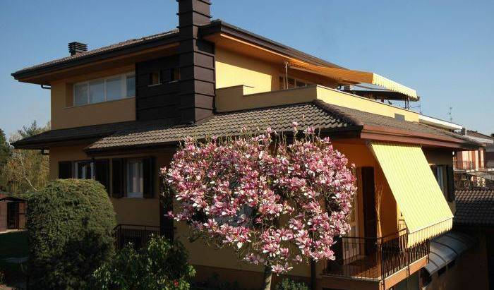 Il Terrazzo Bed and Breakfast - Search for free rooms and guaranteed low rates in Malpensa Airport Milan 9 photos