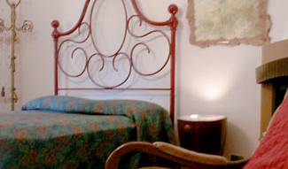 Lenzis Bed and Breakfast - Search for free rooms and guaranteed low rates in Vicopisano 6 photos