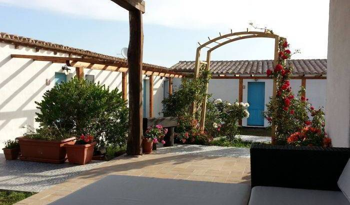 Sa Corti de Sa Perda - Search for free rooms and guaranteed low rates in Piscinas 9 photos