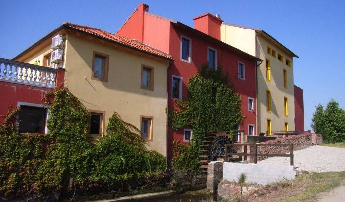 Tenuta del Vecchio Mulino - Search available rooms for hotel and hostel reservations in Vercelli 17 photos