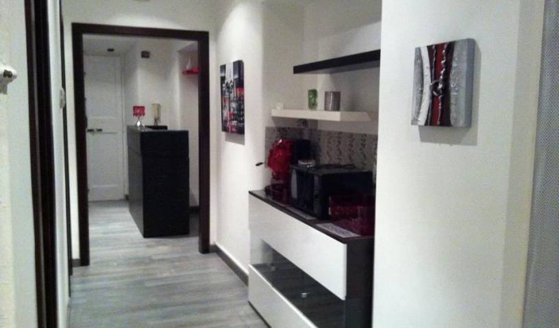 Triumphal Rooms Bed and Breakfast - Get low hotel rates and check availability in Rome, find cheap hotels and rooms at Instant World Booking in Roma (Rome), Italy 7 photos