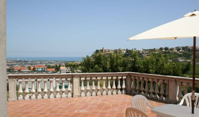 Villa Adriatica - Search available rooms for hotel and hostel reservations in Pescara 6 photos