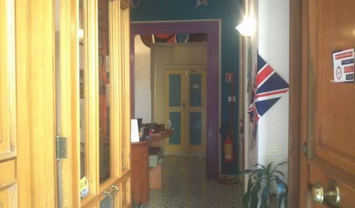 Welcome Inn Hostel 12 photos