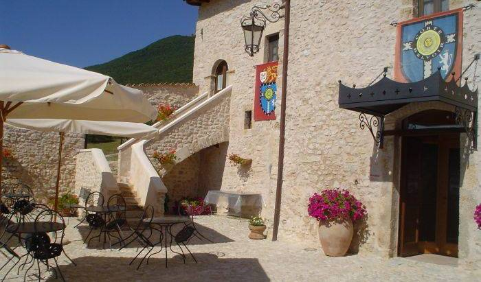 Corte Belvoir Guest House Romantic Inn - Get low hotel rates and check availability in Norcia 26 photos