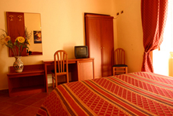 Discover Roma Hotel, Rome, Italy, Italy hotels and hostels