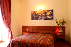 Discover Roma Hotel, Rome, Italy, what is a backpackers hostel? Ask us and book now in Rome