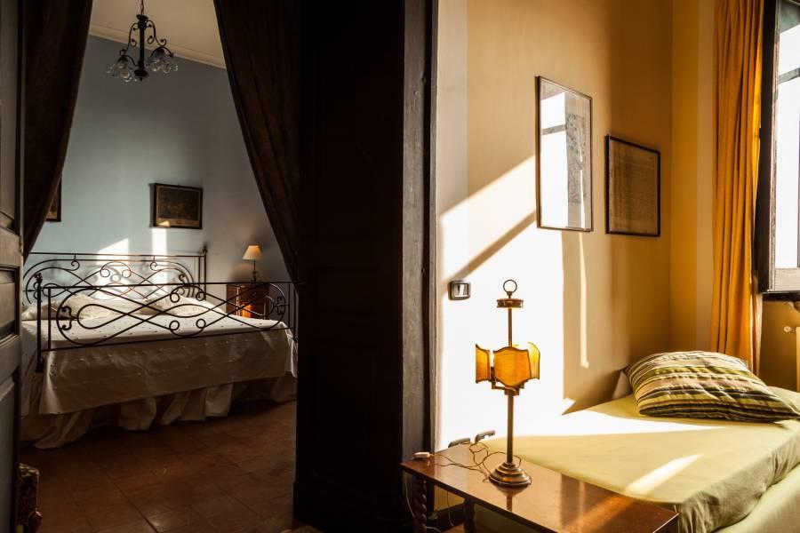 Domus Laeta, Paestum, Italy, hotel comparisons in Paestum