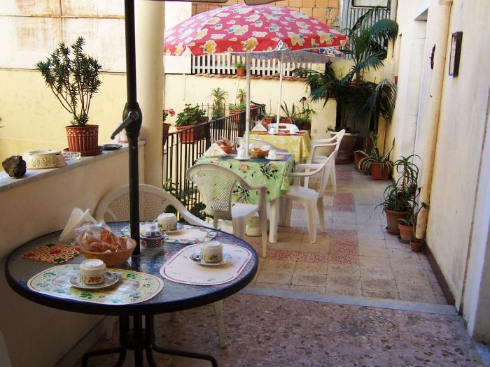 Etna Bed and Breakfast, Belpasso Catania, Italy, 저렴한 여행 ...에서 Belpasso Catania