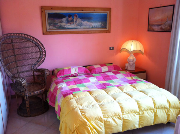 Happy Days B and B, Fiumicino, Italy, youth hostels and backpackers for fall foliage in Fiumicino
