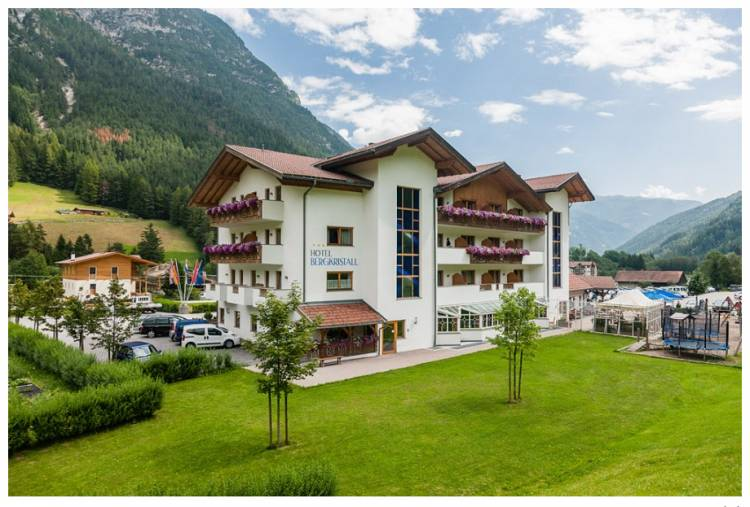Hotel Bergkristall, Colle Isarco, Italy, Italy hotels and hostels