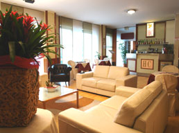 Hotel Cristallo, Brescia, Italy, affordable posadas, pensions, hostels, rural houses, and apartments in Brescia